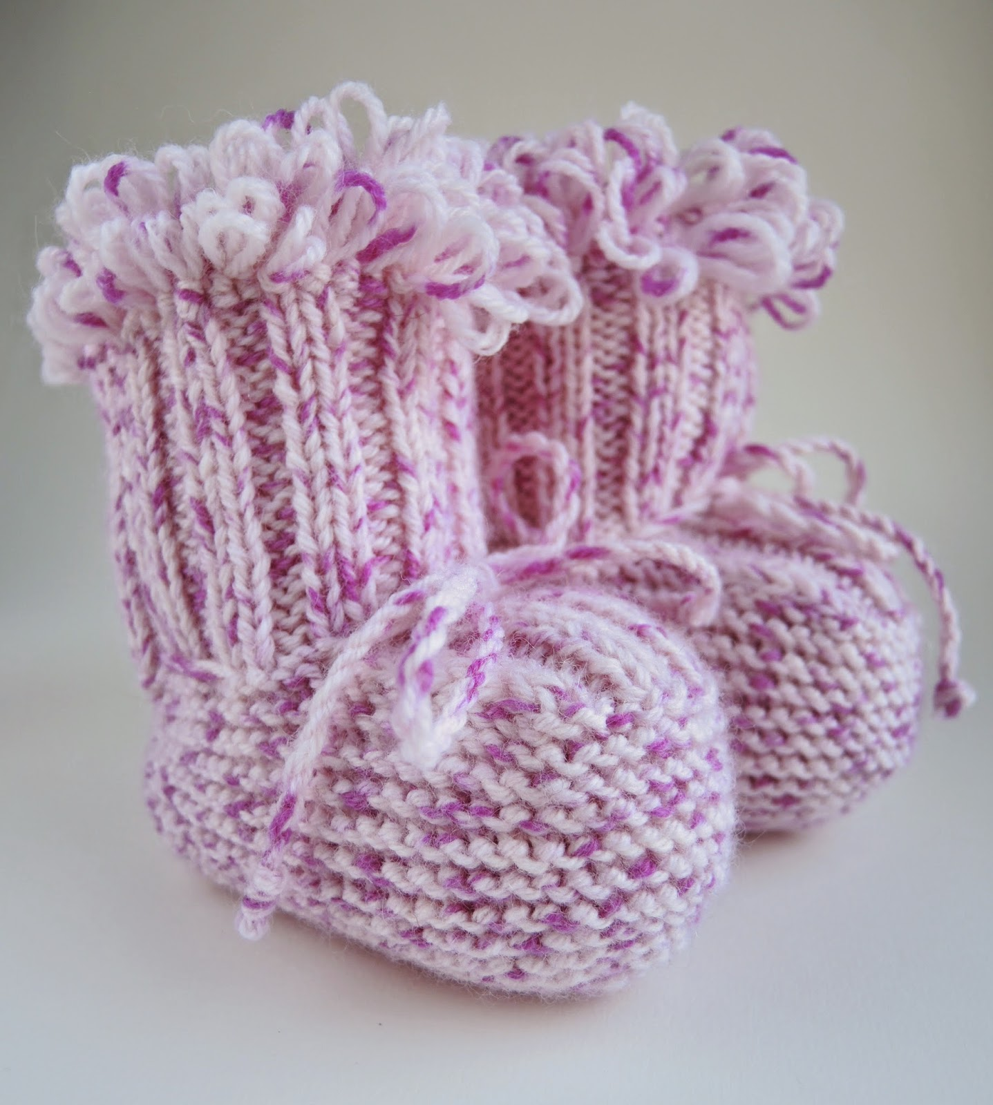 пинетки-сапожки,вязанные в ручную, носочки