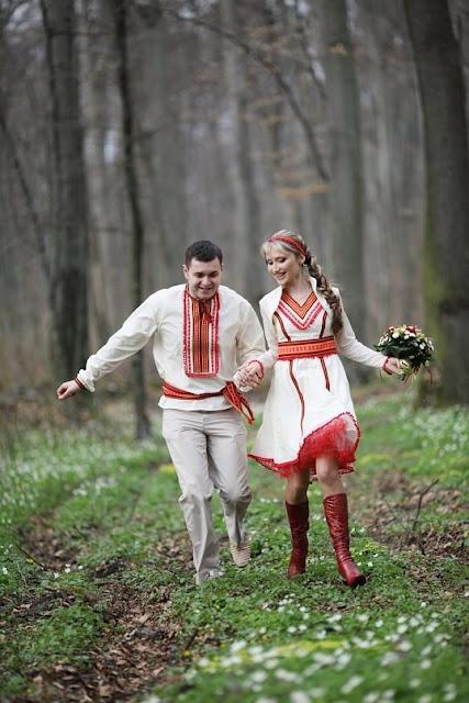 Молодята у вбранні від студії Гойра, Львів, Україна