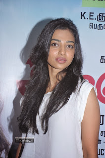 Radhika-Apte-at-All-in-All-Azhagu-Raja-Audio-Launch