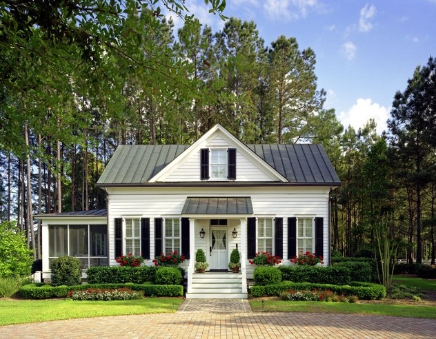 Charming low country guest cottage richmond hill georgia for Low country cottage plans