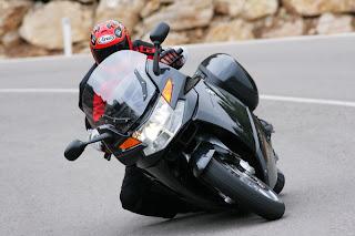 cornering on motorspot