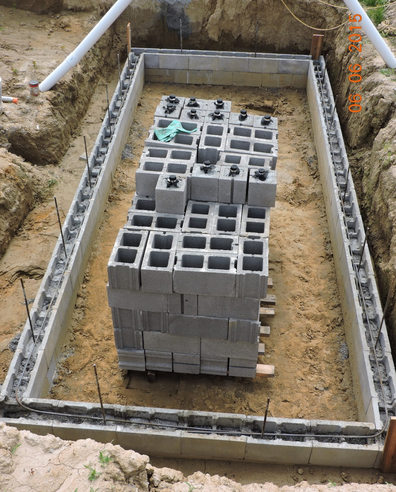 Concrete Block Rebar : Do it yourself green building with jerry young