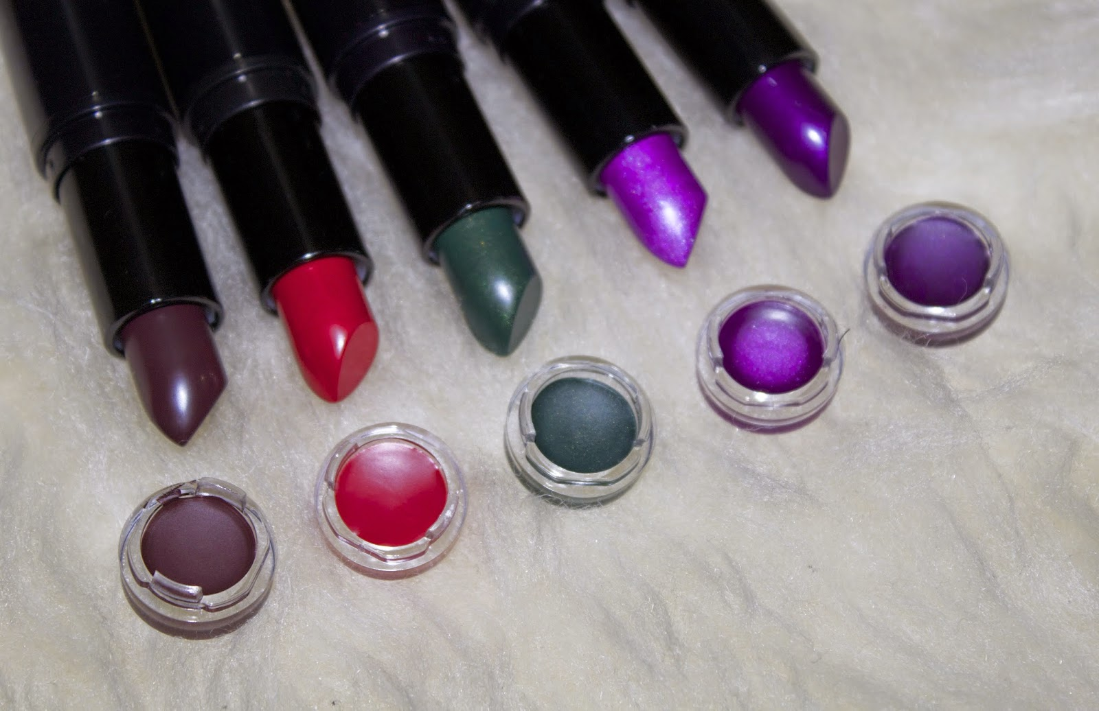 A picture of the Makeup Revolution Atomic lipsticks