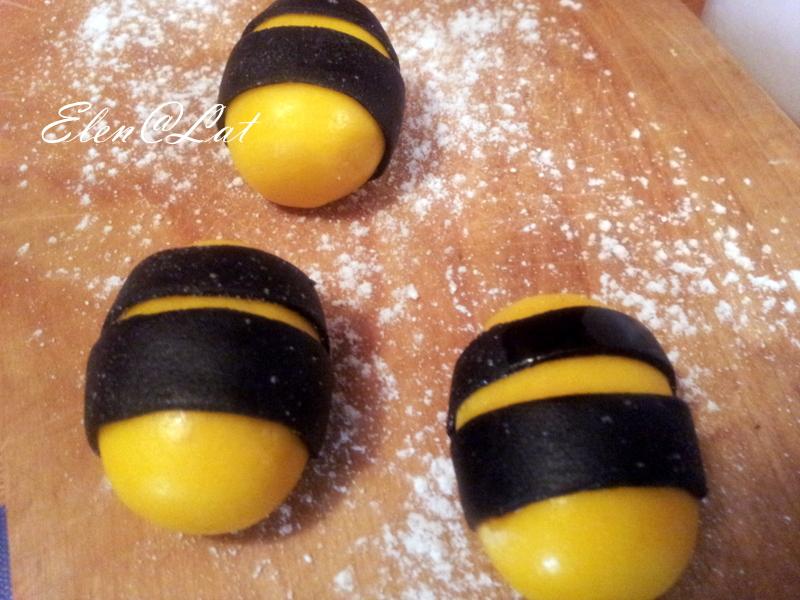 Жгутиков маленьких будущих пчелок