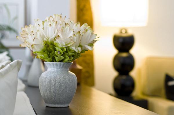 Home decorating with floral vases