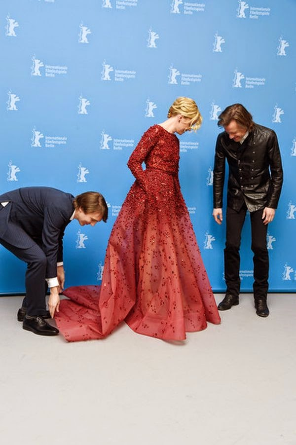While Berlinale is a great time to break out a really dramatic dress, I thought the Massachussets born's shimmering garment was perfect for the star and suddenly, her colleague actor, Bill Pohlad and Paul Dano couldn't took off their attention for more closely analysis during a photocall.