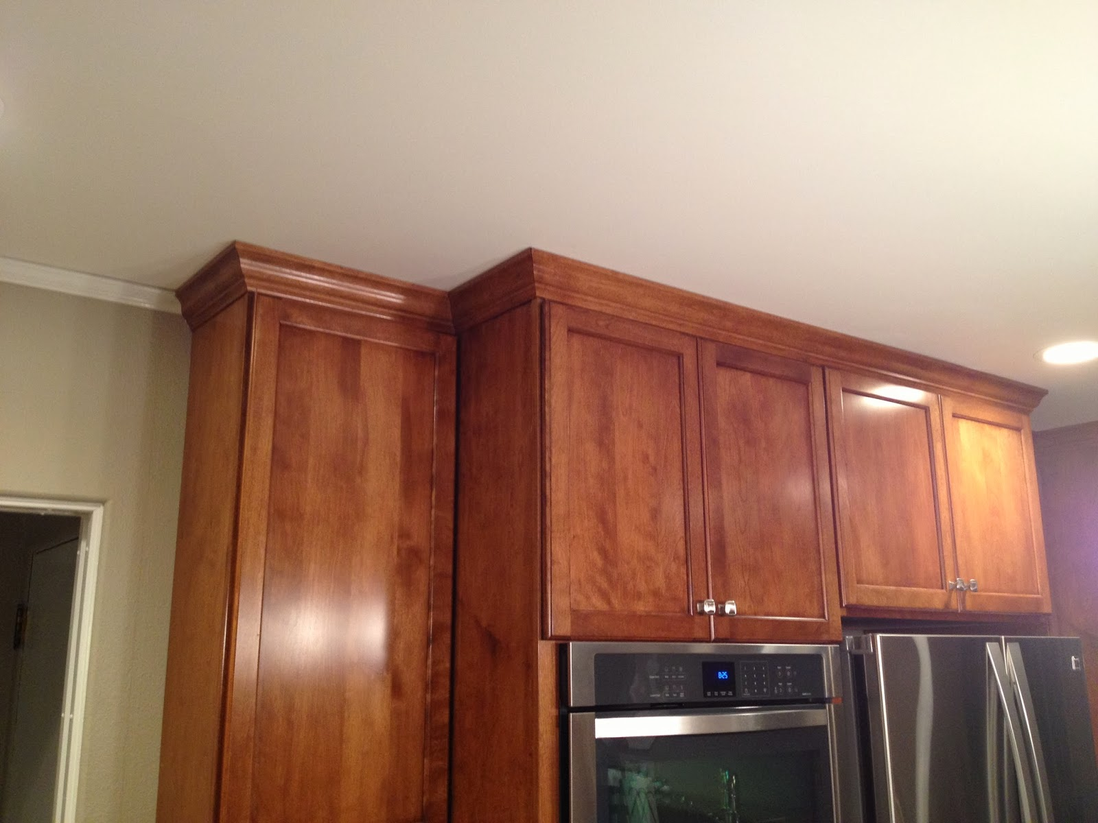 Life of the lorenzens kitchen crown moulding - Crown moulding kitchen cabinets ...