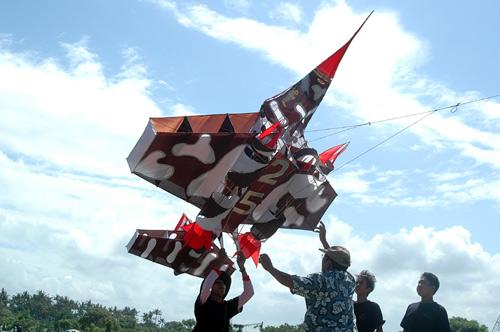 Layang Layang Unik Pesawat Tempur