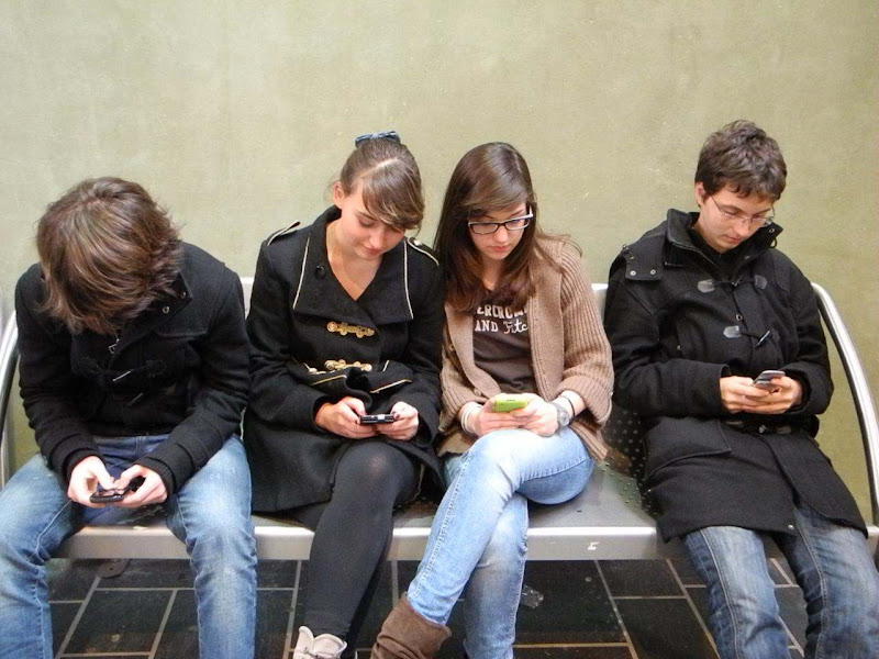 jeunes accros à leur smartphone