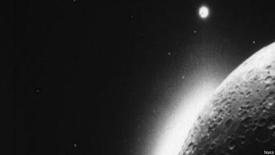 Cientistas desvendam mistério de 'nuvem' lunar