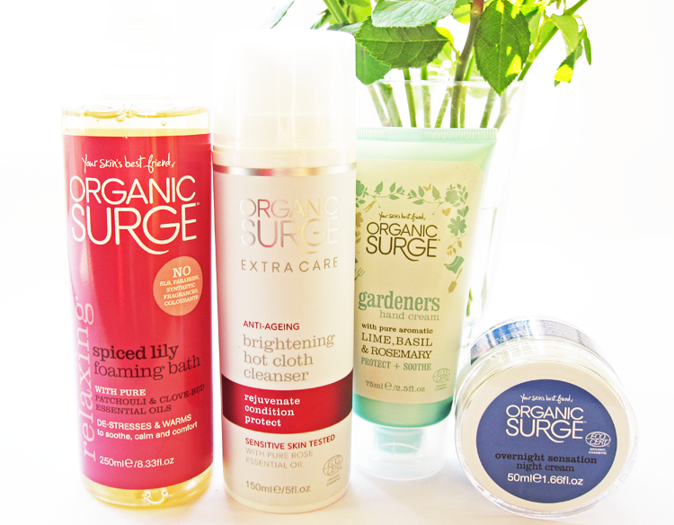 A picture of Organic Surge Christmas Beauty Bloggers Bundle review