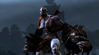Kratos in God of War 3 with the new weapon CESTUS