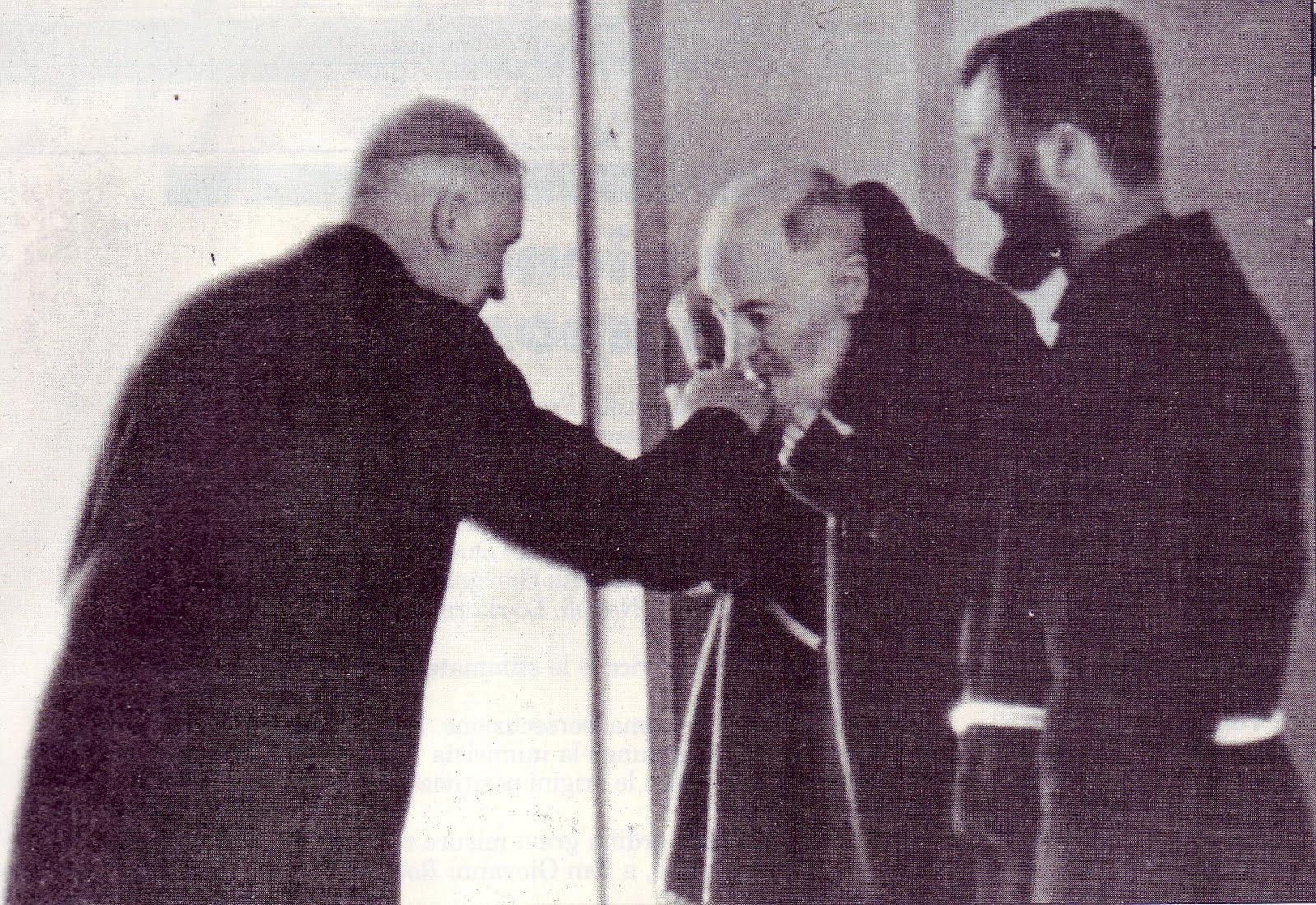 Mons. Marcel Lefevbre y P. Pío 1968