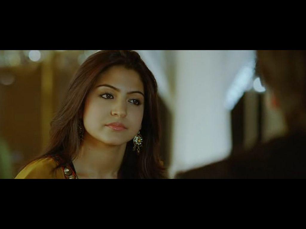 Anushka Sharma Sexy Kiss