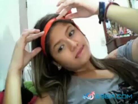 Novinha Muito Ajeitada Caiu Na Rasgando A Bucetinha Dedo