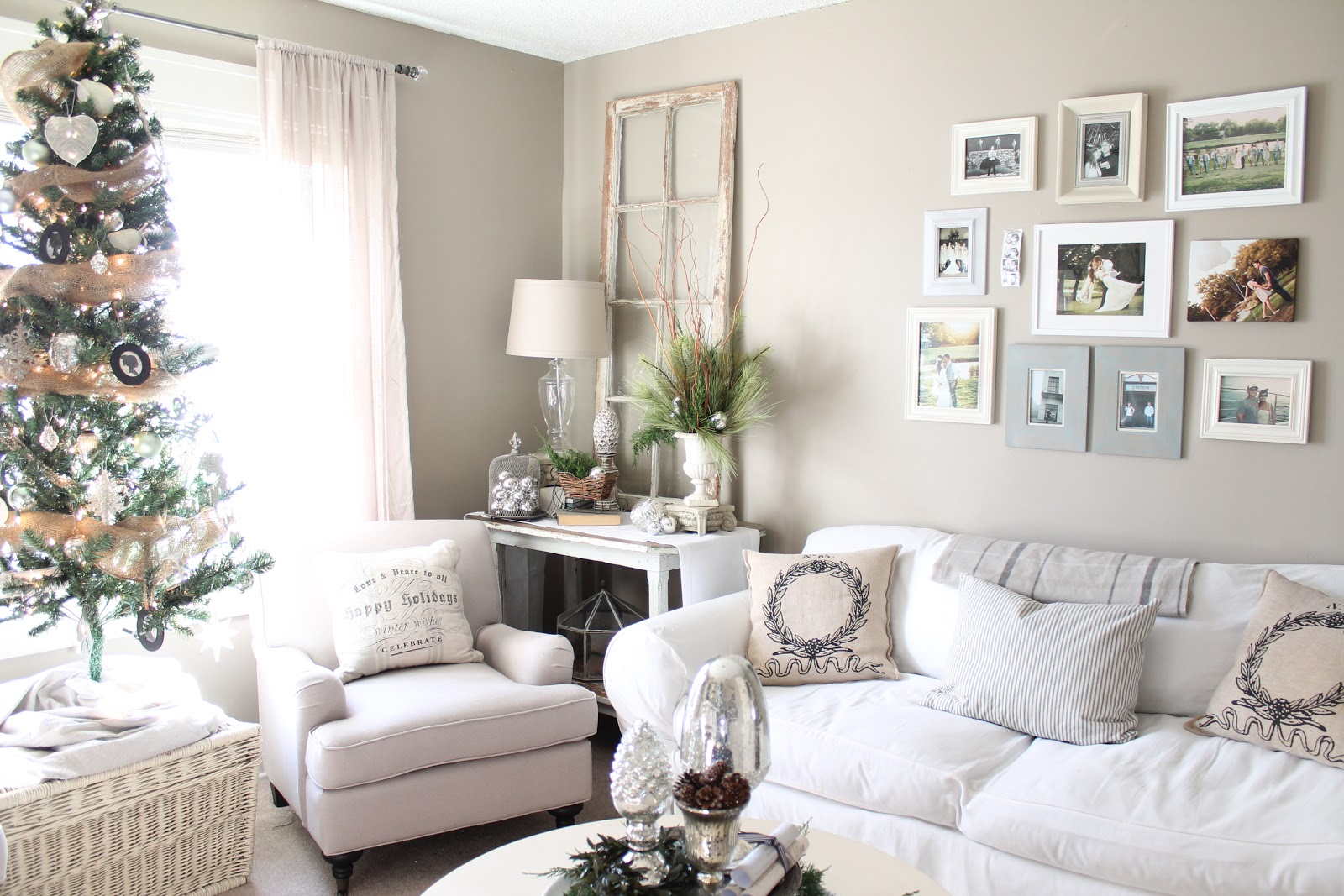 12th and White: Our Christmas Living Room- Part 2