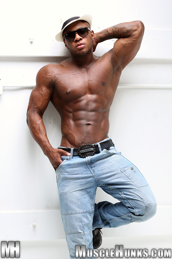%2528ConteudoG%2529F-02992-S_Muscle_Adam-S.jpg