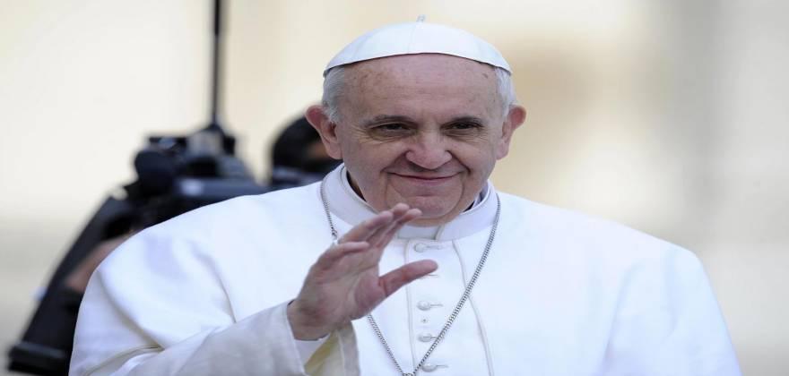 «Το τσιπάκι είναι ευλογία από το Θεό» λέει ο Πάπας Φραγκίσκος!