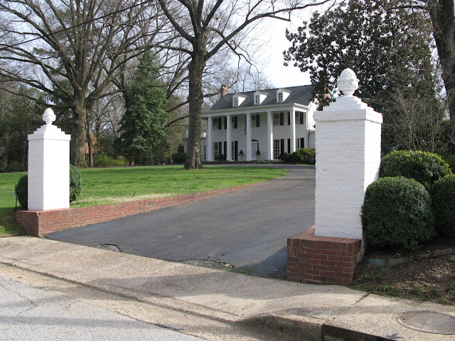 Brick Driveway Pillars7