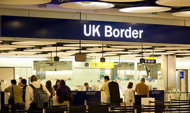 Κλείνουν τα σύνορα στην Αγγλία για τους Έλληνες μετανάστες