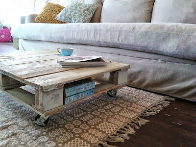 Whitewashed Coffee Table on Castors - The Lazy DIY'er - Pallet Furniture Round-up - Chamomile and Peppermint Blog