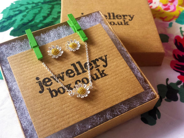 giveaway | the jewellery box (closed)