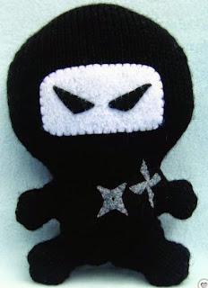 http://translate.googleusercontent.com/translate_c?depth=1&hl=es&rurl=translate.google.es&sl=en&tl=es&u=http://www.craftfoxes.com/how_tos/ninja-amigurumi-free-knitting-pattern&usg=ALkJrhizOU7aau11EwuVj05_1RcFsEBaFA