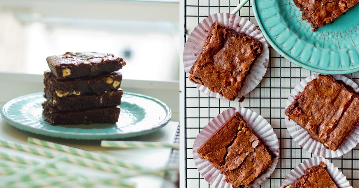 Flourless Chocolate Brownie With White Chocolate Chunks {Gluten Free!}