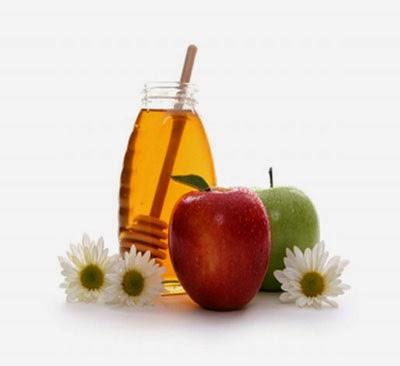 Đắp mặt nạ táo và mật ong