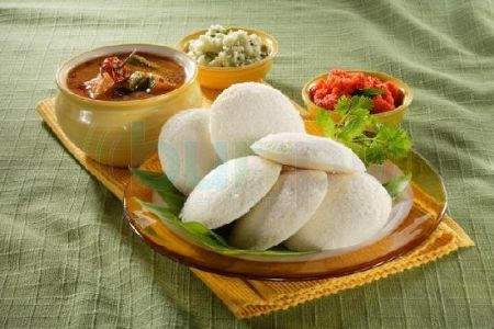 Traditional kerala food an overview kerala recipes european influence is reflected in the numerous bakeries selling cakes cream horns and western style yeast leavened bread and in anglo indian cuisine forumfinder Image collections