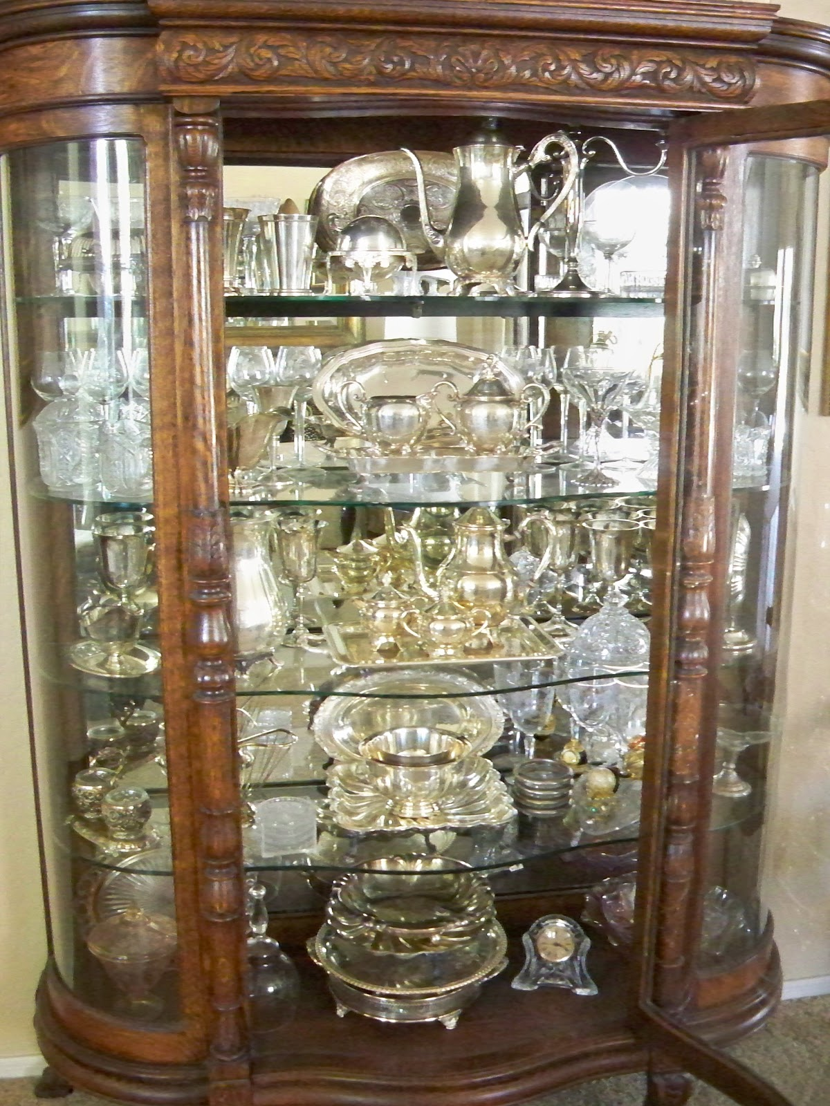 A Stroll Thru Life Re Doing The China Cabinet