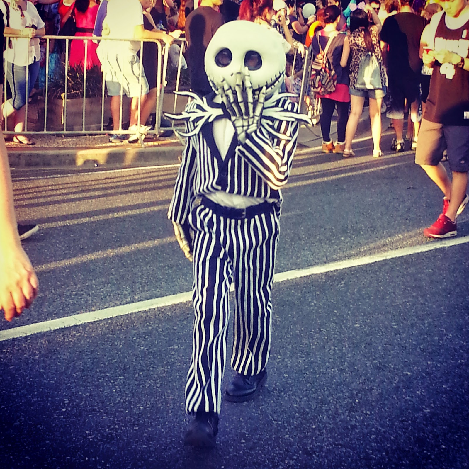halloween costume kids skeleton parade