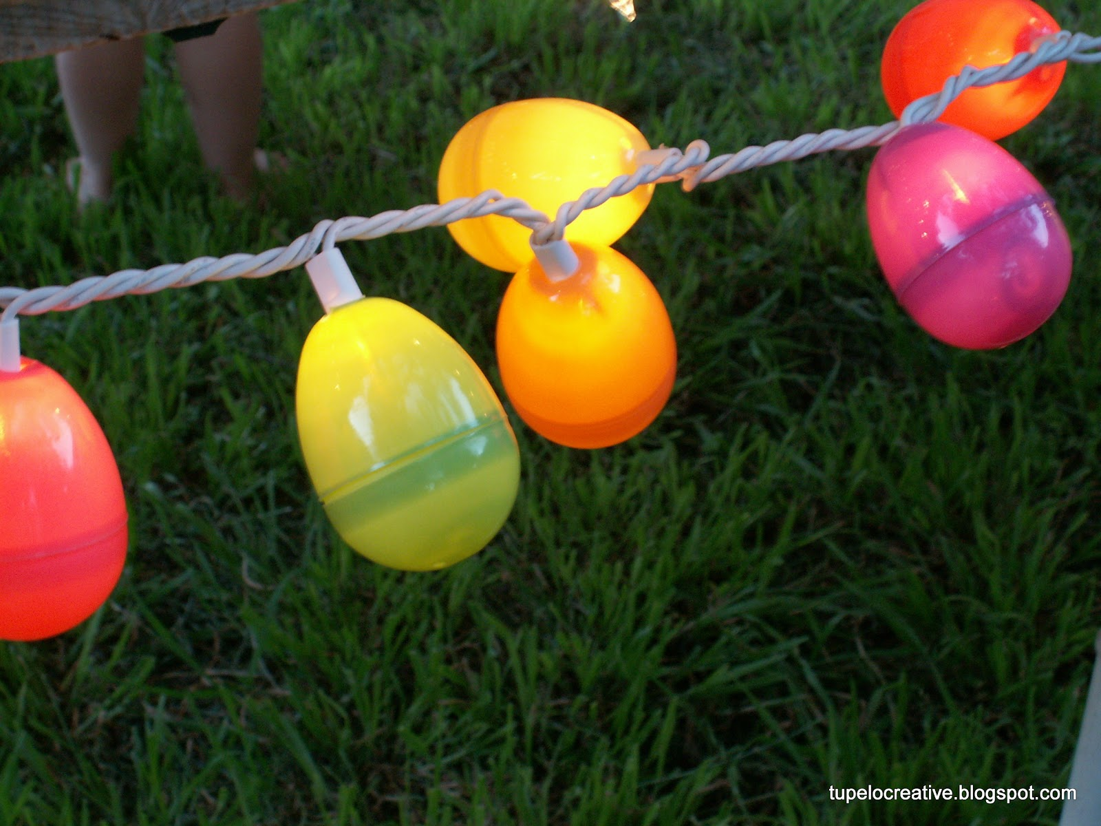 Tupelo Creative: Easter Project - Egg String Lights Tutorial