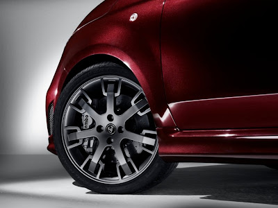 2012 Abarth 695 Maserati Edition