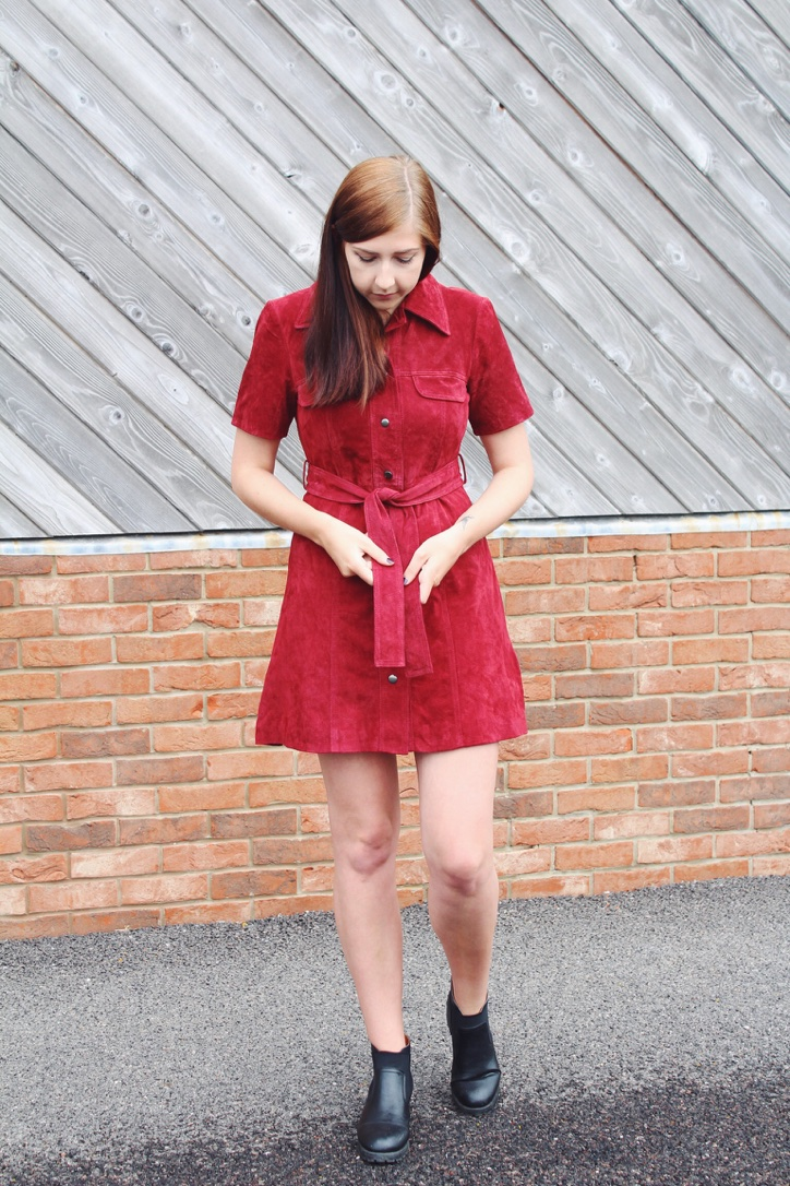asos, asseenonme, wiw, whatimwearing, lots, lookoftheday, outfitoftheday, ootd, fbloggers, fblogger, fashionbloggers, fashionblogger, suededress, asossuededress, burgundydress, shirtdress, chelseaboots