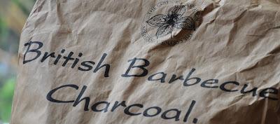 http://3.bp.blogspot.com/-QBPcNVKf_gA/ToHFbH0d-RI/AAAAAAAAA3A/TSFaSb2D7g0/s400/01+british+barbeque+charcoal.jpg