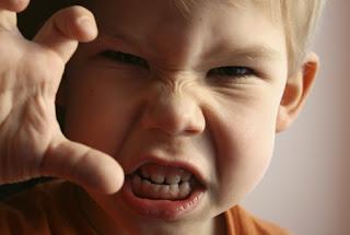 خمس كلمات احذر أن تقولها لطفلك الصغير!!