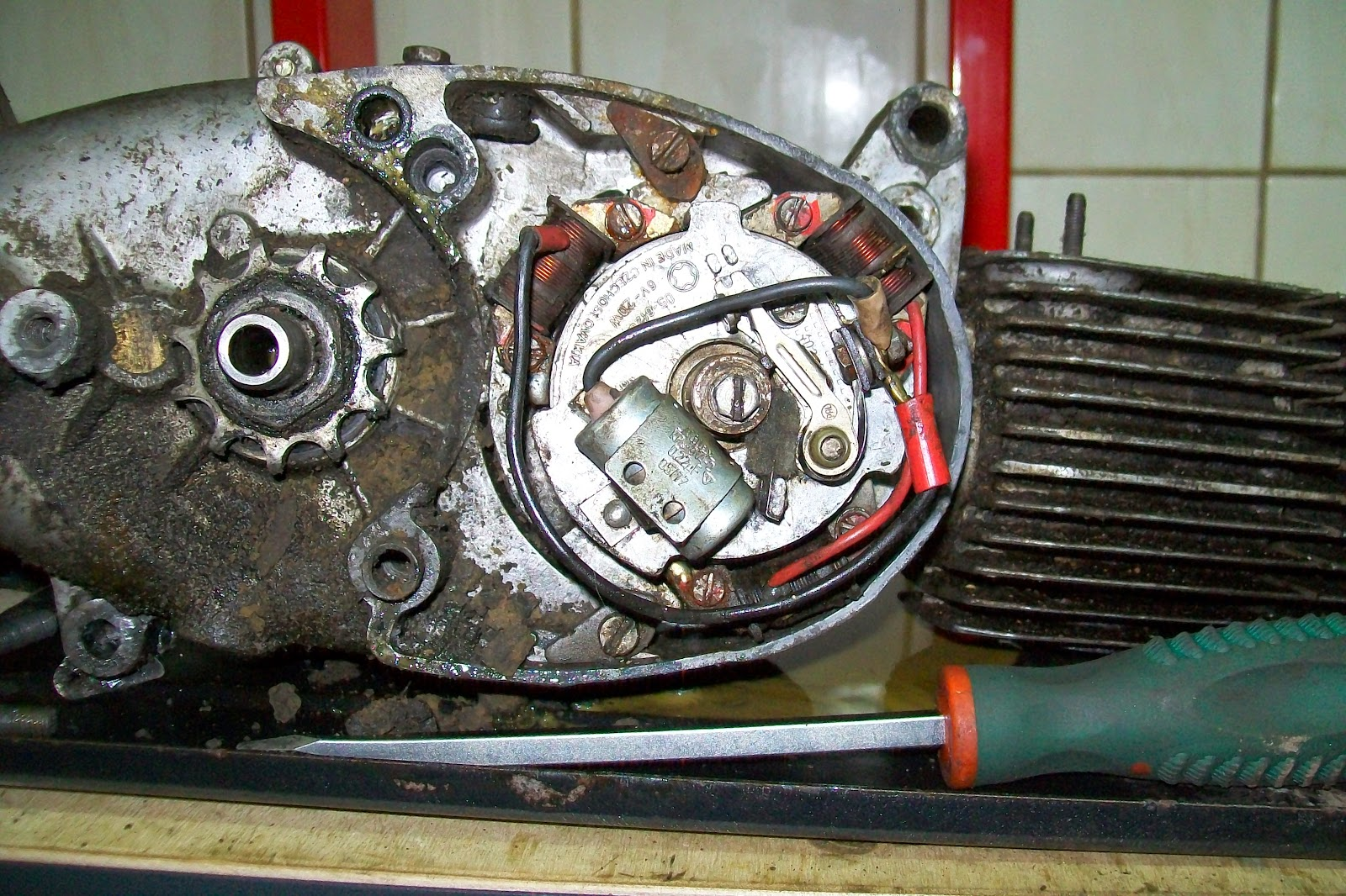 Jawa wnętrze silnika