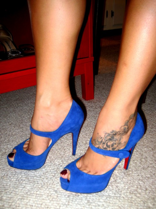 bow tattoo on ankle. The position of your ow ankle