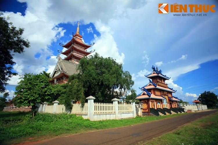 Gia Lai: Tận mục sở thị ngôi chùa cực độc đáo ở Phố núi Pleiku