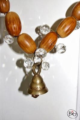 höstpyssel med ekollon och pärlor