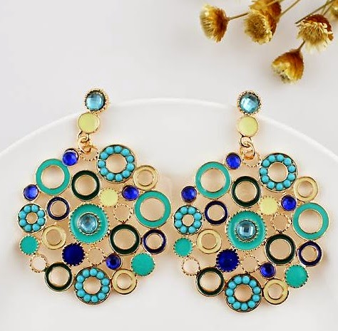 http://www.sheinside.com/Green-Circle-Hollow-Earrings-p-166507-cat-1757.html