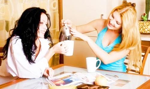chicas tomando el te