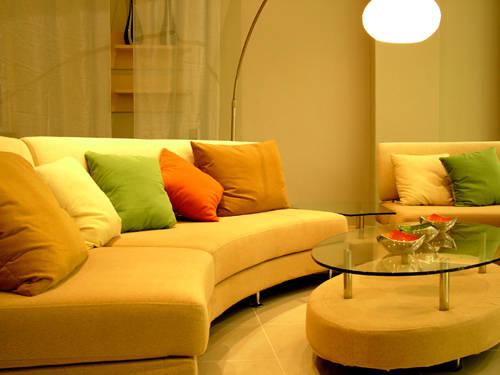 Hogares frescos hermosos dise os de salas peque as con for Diseno de muebles para salas pequenas