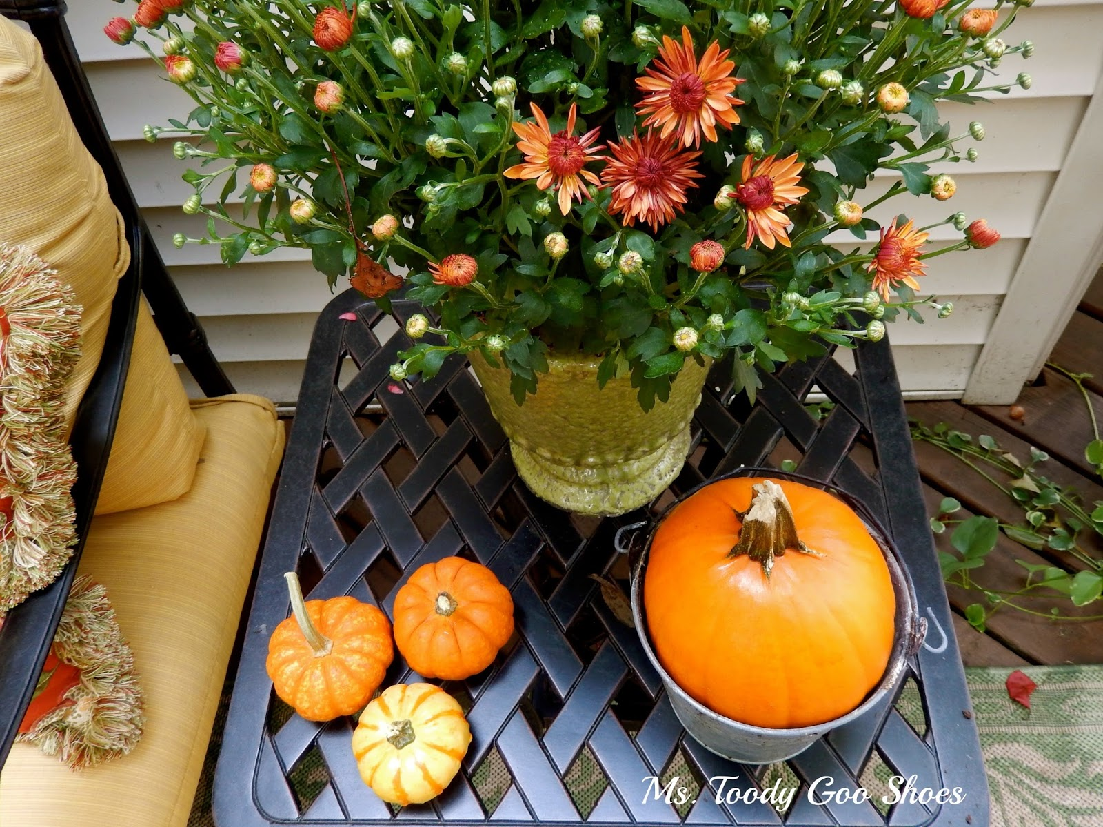 Outdoor Fall Decor by Ms. Toody Goo Shoes