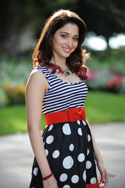 Tamanna Bhatia hot sexy photos