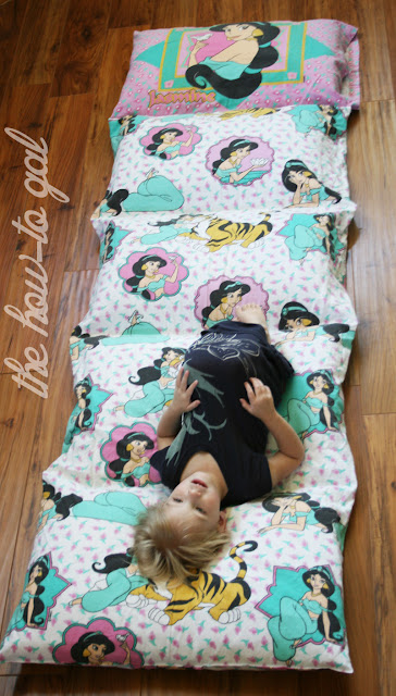 Floor Pillows Joannes : The How-To Gal: I Did It! Series: Pillow Pad from Twin Sheet