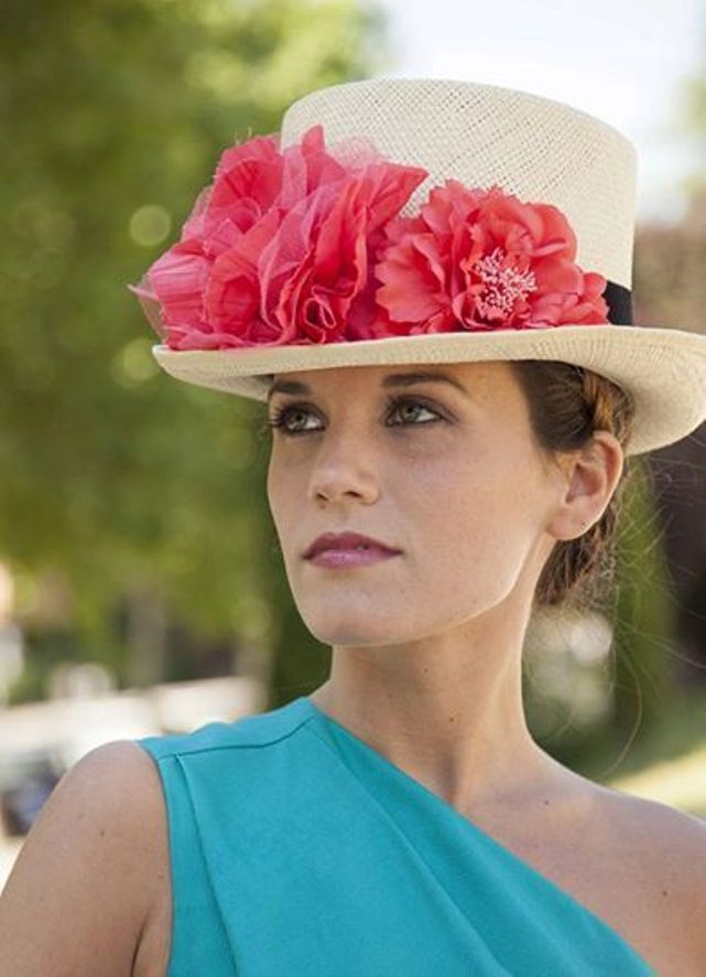 chistera invitada boda sombrero elegante perfecta wedding guest hat