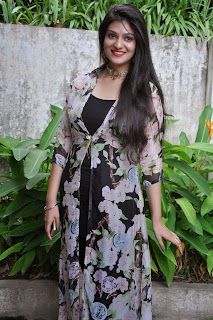 Actress Siya Gautham Picture Gallery in Long Dress at Pilavani Perantam Telugu Movie Opening  14