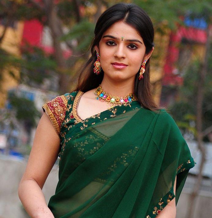 Hot Indian Actresses: Shefali Sharma Hot in Green